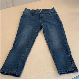 Capri jeggings with side zippers